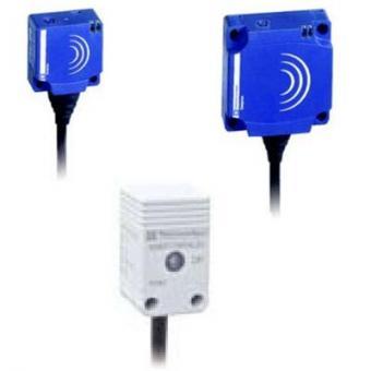XS8E1A1PAM8电感式接近传感器